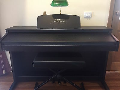 Hemingway Digital Piano DP-701 88 weighted keys, 3 Pedals