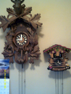 ****VERY RARE ****EXTRA LARGE  vintage8-day Hunter cuckoo clock   EXTRA LARGE