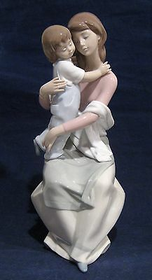 Lladro Figurine A Mother's Love # 6634
