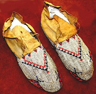 "Vintage Circa 1920 Antique 11"" Native American Sioux Indian Beaded Moccasins"