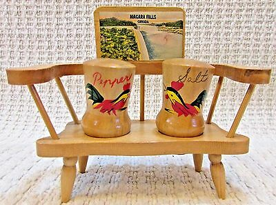 Hand painted Roosters wood bench Japan salt pepper shaker Niagara Falls FREE S/H