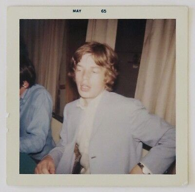 ROLLING STONES 1965 Mick Jagger SNAPSHOT and AUTOGRAPH