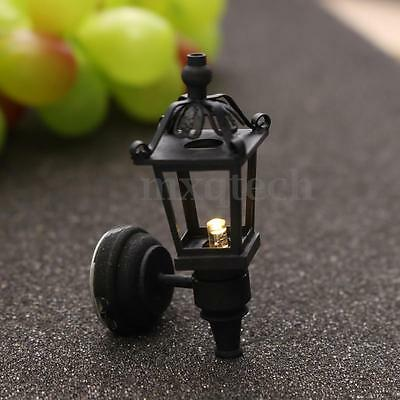 Dollhouse Vintage Street Lamp Metal LED Garden Light Lamp with Battery 1:12