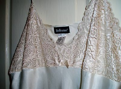 Stunning satin night gown by Tallissima NEW size 26