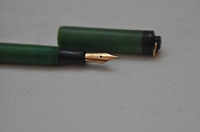 "Lovely Rare Vintage Conway Stewart ""Dinkie"" Fountain Pen No 540 Green Moire"