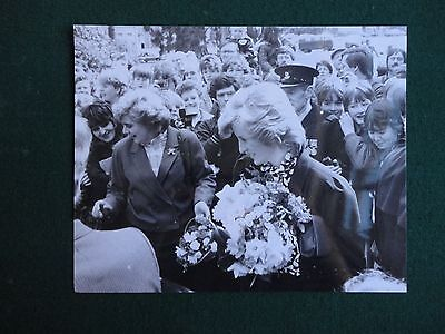 Antique Press Photo of a young looking Princess Diana with members of the public