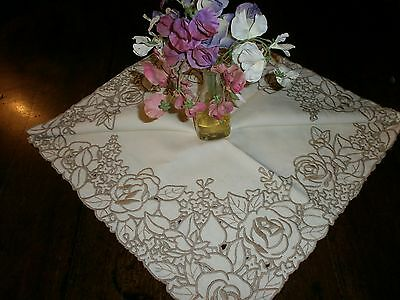 """Beautiful Vintage Embroidered Madeira ? Tablecloth 40""""x 40"""""""