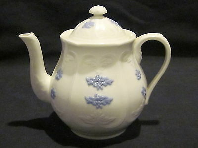 Adderley China Chelsea Smooth Embossed Teapot