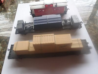 Model Trains Ho 2 Flat Cars With Loads 1 Caboose