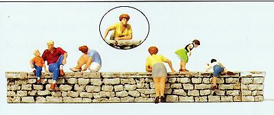On the Wall Preiser 10615 figures gauge H0 (16,5 mm) Accessorie