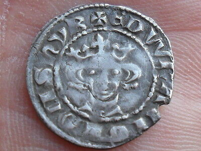 hammered silver penny coin of Edward I class 9a London mint metal detecting find