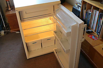 Frigidaire Undercounter Fridge R134A With Ice Box