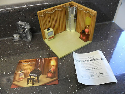 "Extremely Rare Hawthorne Village Elvis Gracelands  ""music Room"" Limited Edition"