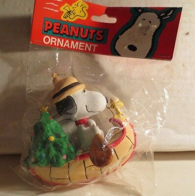 Peanuts Snoopy In His Canoe Ornament MIP