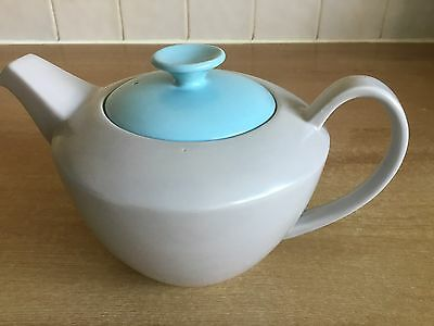 Poole Pottery Twintone Sky Blue and Dove Grey C104 - Streamline 2 Pint Tea Pot