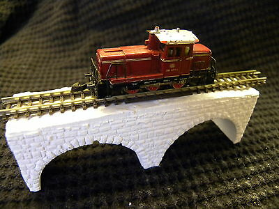 twin arch bridge / viaduct -z scale gauge- white for you to colour- unpainted