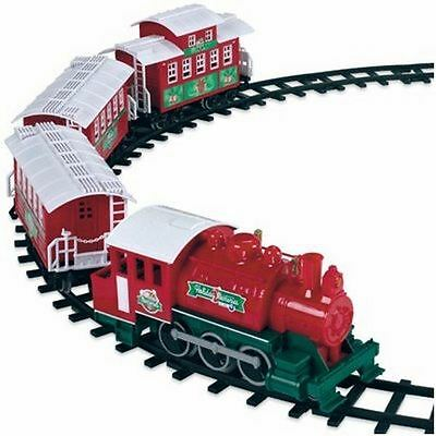 Lionel CHRISTMAS TRAIN 32 Pc Set w/4 G GAUGE CARS Battery Powered - NEW