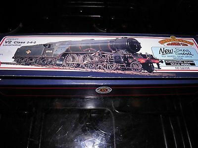 bachmann oo gauge locomotives.LNER Gresley V2 Class 2-6-2