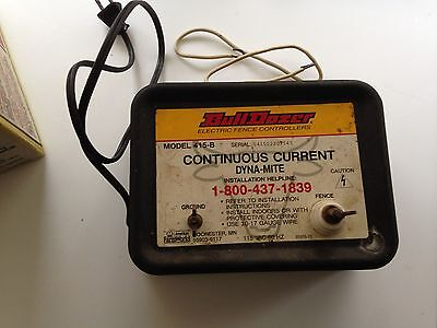 BullDozer Dyna-Mite electric fence controller 415B 1 mile