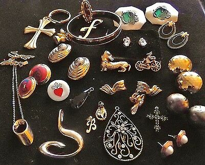 25 Pieces Of Costume Jewelry Pins Bangle Necklace Pendants Pierced Earrings