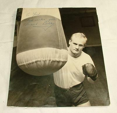 "11.75"" x 9.25"" SIGNED PHOTOGRAPH BOXER BOBBY DAVIES 1964 - LOT 71"