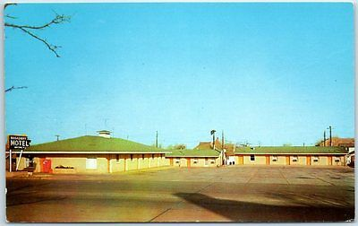 Muskogee, Oklahoma Postcard Broadway MOTEL Highway 81 Roadside Chrome c1960s