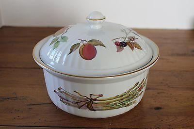 """Royal Worcester Evesham Gold Round Casserole Dish with Lid Ribbed 8"""""""