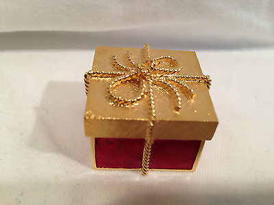 Estee Lauder Gift Box With Tie Perfume Compact
