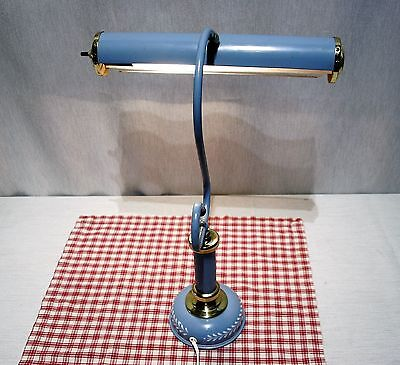 Wedgwood Colonial Blue TOLE Mid Century Vintage Desk Table Toleware LAMP Country
