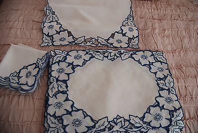 Pretty Vintage Linen Cut Work Embroidered Blue & White Placemats Napkins Runner