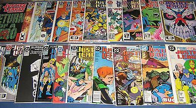 22 Issues Of Justice League High Grade NM