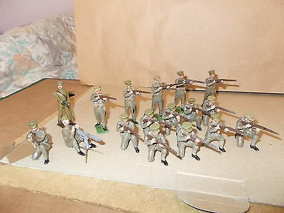 Painted Metal Ww1 British Coldstream Guards 16 Soldiers & A Officer- 54Mm Approx