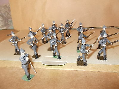 Painted Metal Ww1 German 60Th Regiment 14 Soldiers & A Officer- 54Mm Approx