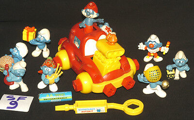 Vintage Smurf Original Red Truck (Rare) + Small Rubber Figures Ref Sf9