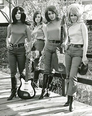 "Girls with Guitars 10"" x 8"" Photograph no 1"