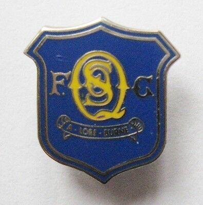 QUEEN OF THE SOUTH - Superb Enamel Football Pin Badge