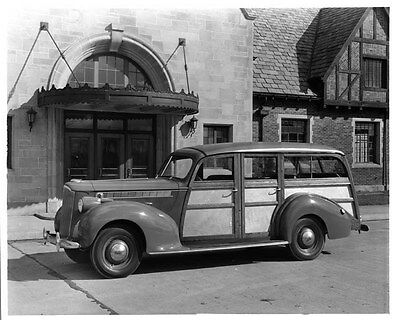 1940 Packard 120 Woodie Station Wagon ORIGINAL Factory Photo oad2248-9BS7HL