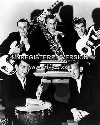 "Johnny and the Hurricanes 10"" x 8"" Photograph no 9"
