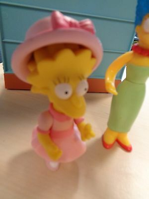 Playmates 2001 / 2002 Collectable The Simpsons Interactive Marge & Lisa  Figure