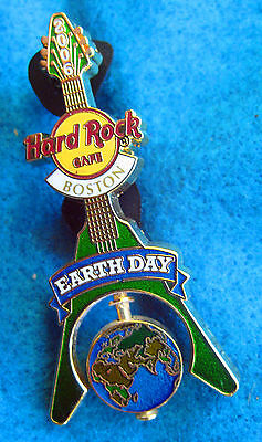 BOSTON EARTH DAY SPINNING PLANET FLYING V GUITAR 2006 Hard Rock Cafe PIN LE