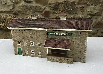 Bachmann Scenecraft  44-058  Oak Hill Brewery Warehouse Building Unboxed