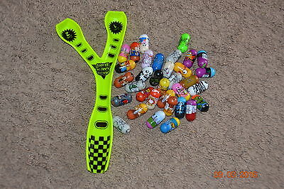 Lot Of 20 Mighty Beanz And Ramp