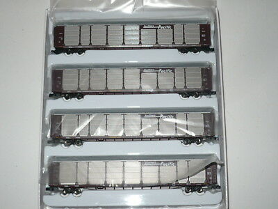 AZL #91000-1  Z Scale Southern Pacific Tri Level Auto Rack 4 Pack
