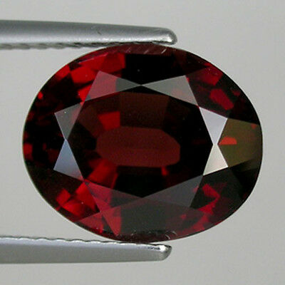 5.51 ct   LUSTROUS   DEEP  RED NATURAL PYROPE GARNET OVAL !