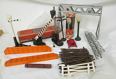 Lionel And Other Accessory Lot 252 Crossing Gate  260 Bumper Fences Lamp More