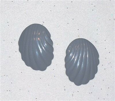 Gray Enamel Shell Shaped Pierced Earrings   J711