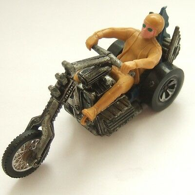 Hot Wheels RRRumblers Torque Chop Motorcycle and Rider : Blue Seat