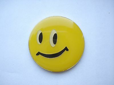 ACID HOUSE SMILEY FACE RAVE MUSIC OLD VINTAGE 1980s NEW RARE PIN BADGE SALE 99p