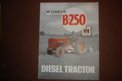 CLASSIC VINTAGE McCORMICK INTERNATIONAL B-250 AGRICULTURAL TRACTOR LEAFLET