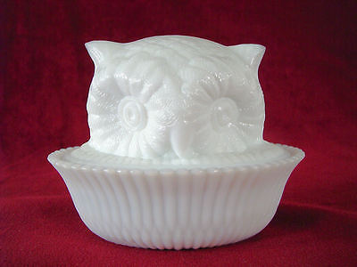 NMGCS 2002  Milk Glass Owl Covered Dish